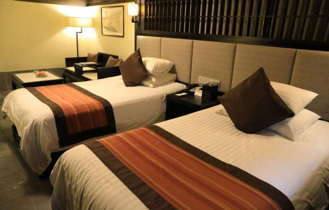 酒店的床尾为什么都会放一块布?终于知道原因,原来用处这么大,看完涨知识了?