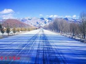 我的家乡下雪啦!那纯净的世界--稻城(多图,摄影:尹雯涛)
