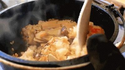 松茸为什么这么火?松茸中的松茸醇能抗癌、味美营养丰富!(附菜谱)