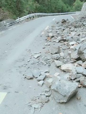 暴雨、落石、泥石流……麻格同村全力以赴应对自然灾害