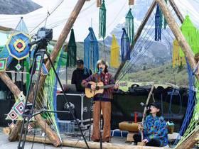 让世界听见稻城亚丁,与自然共奏雪山下的音乐盛宴